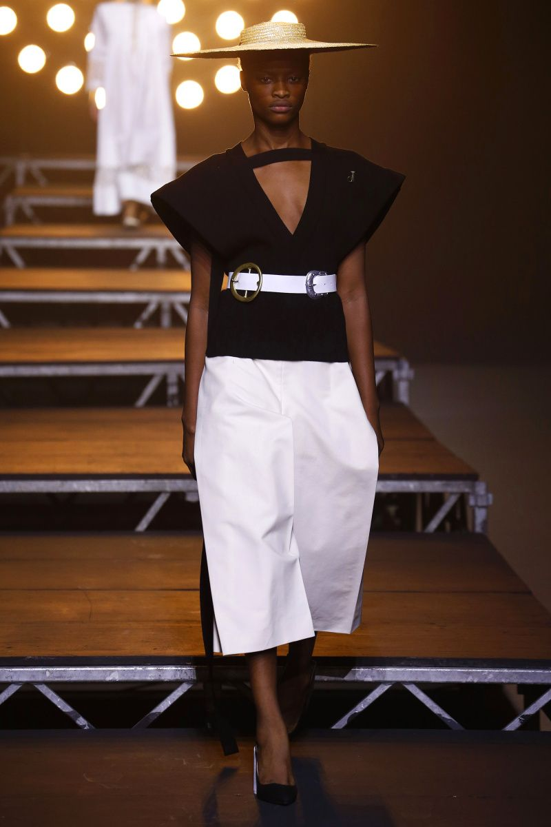 Jacquemus | Ready-to-Wear Spring 2017 | Look 31