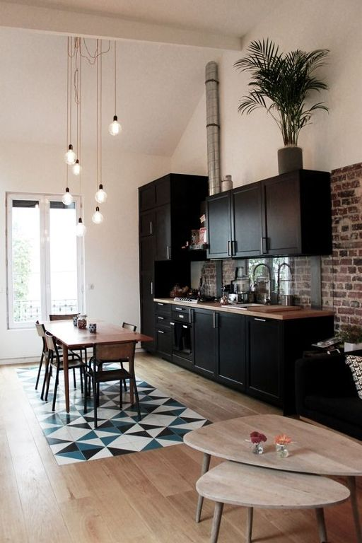 Cocina negra integrada en el comedor Home Pinterest Bulbs - plan maison avec tour carree