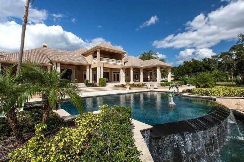 Paradise in Florida. Build or buy a home in Bella Collina from luxury home builder Dave Brewer, Inc.