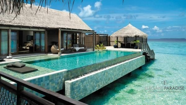 Shangri-La's Villingili Resort & Spa : Villa Muthee deck and infinity pool