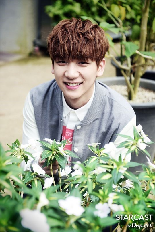 VIXX • Hyuk • Starcast Boopy nose. So cute!