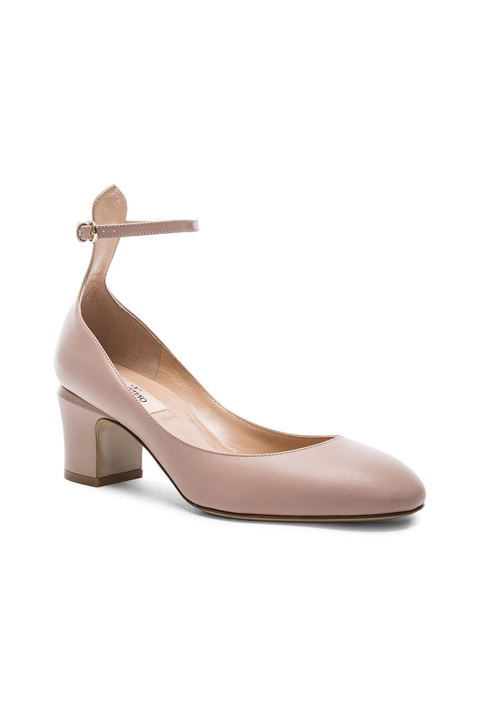 Valentino Leather Tan-Go Pumps in . RXTzDy