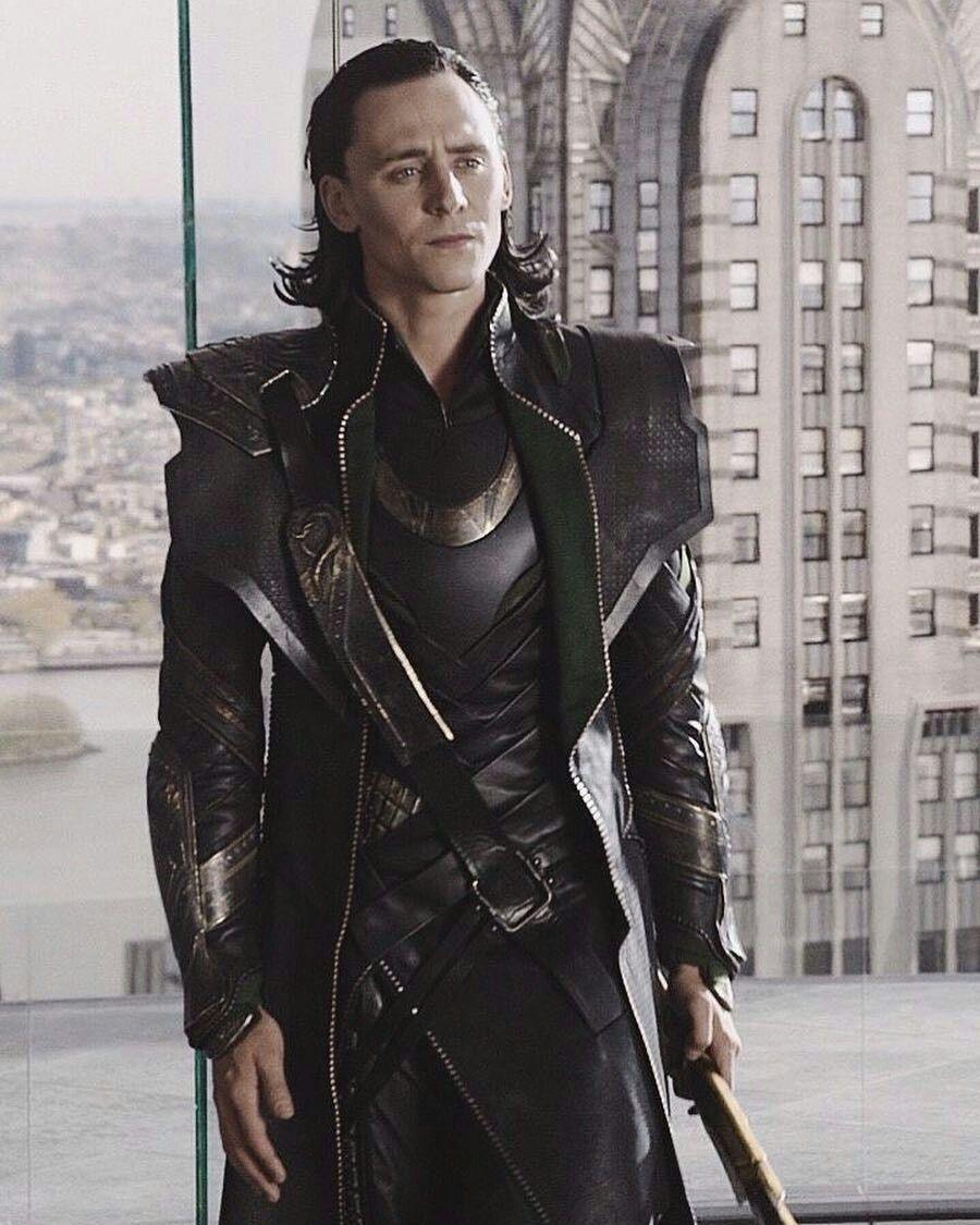 foto de Pin de Iharosi Dóra en Loki/Tom Hiddleston and of course