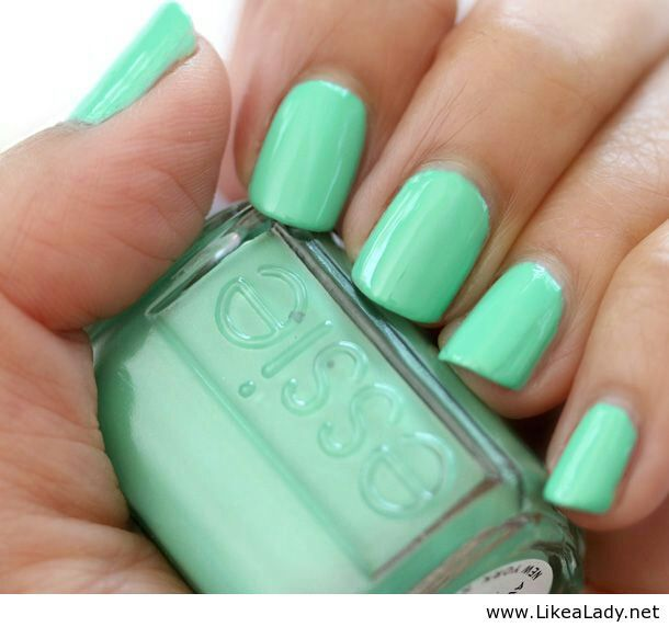 light green nail polish - cute
