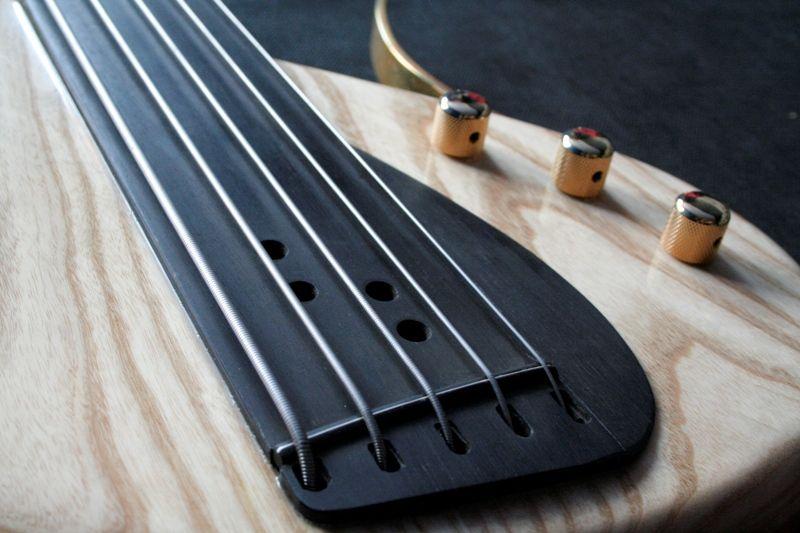 stradi beautiful bass guitars 101 basses terri 39 s bass aholic electric bass guitars. Black Bedroom Furniture Sets. Home Design Ideas