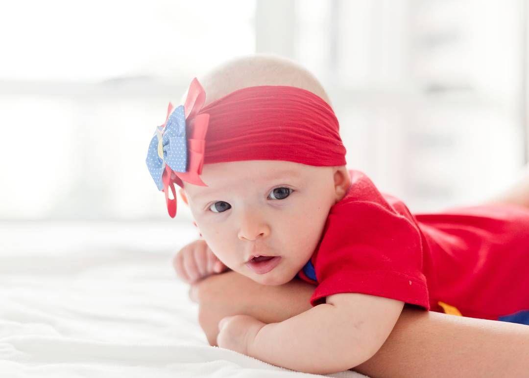 .três meses. (Mais uma fotinha da Pilar pra vcs!) #fotografiadefamilia #babygirl #fotografiadebebes #lifestylephotography #lifestyle #amordetia #amosertia
