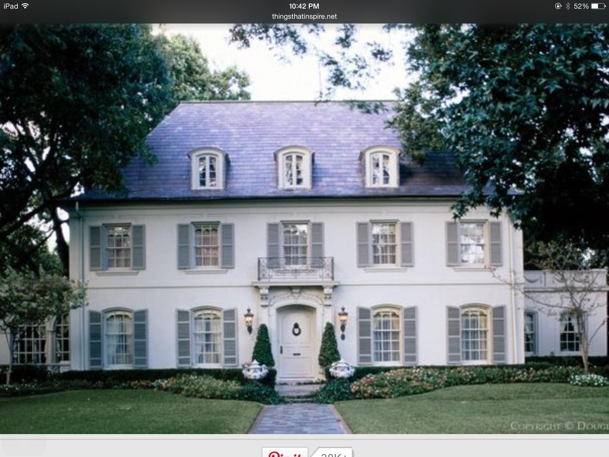 Maison Charme Villa Volets Et Fenetres Chiens Assis Allee Maison