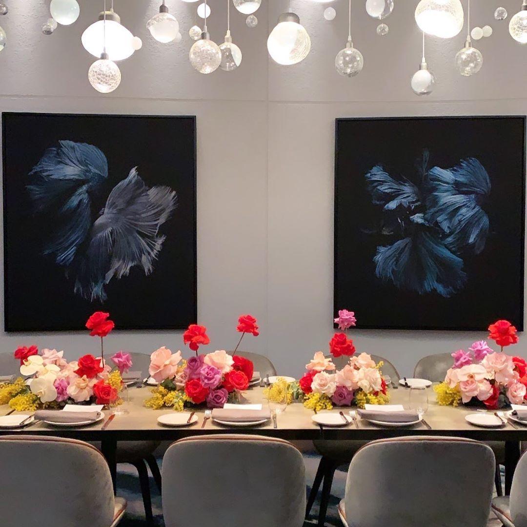 "Azariade Floral Stylist on Instagram: ""Intimate dinner 🖤  #azariade #floral #tabledecor"""