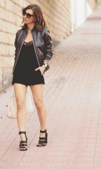 Look All Black com Macaquinho