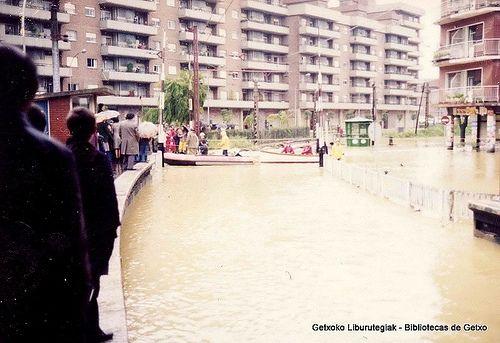 Uholdeak Erromon / Inundaciones en Romo, 1977 (ref. 04307)
