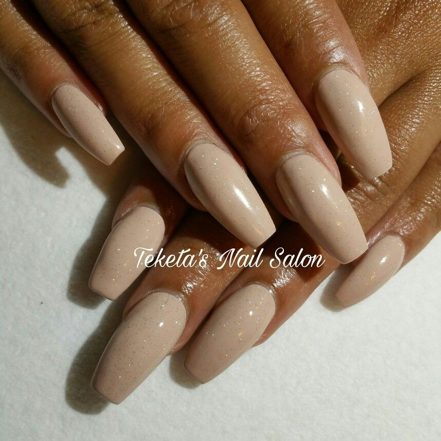 #NailsByTeketa #TeketasNailSalon #fayettevillega #georgianailtech #nails2inspire essie nail polish nude nail polish holographic top coat #classynails nail fashion
