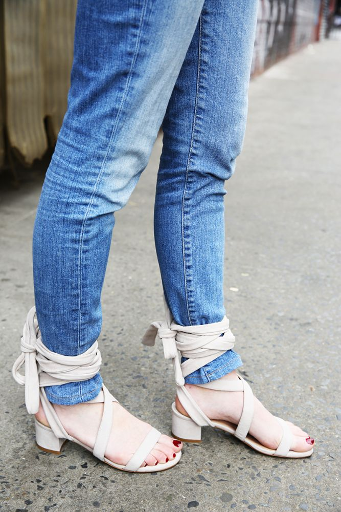 Feeling a little over your skinny jeans? Here are our ideas on how to style skinny jeans and give them new life.