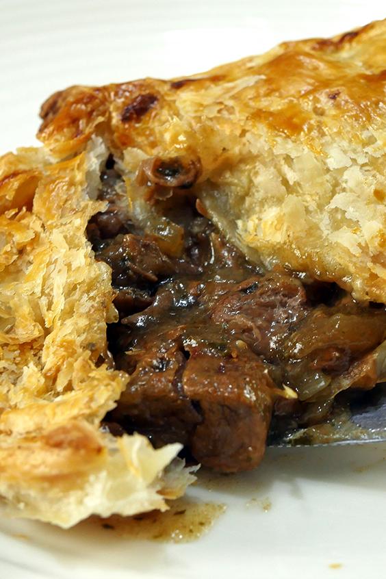 Slow Cooker Steak Pie | Recipe | Slow cooker steak, Slow ...