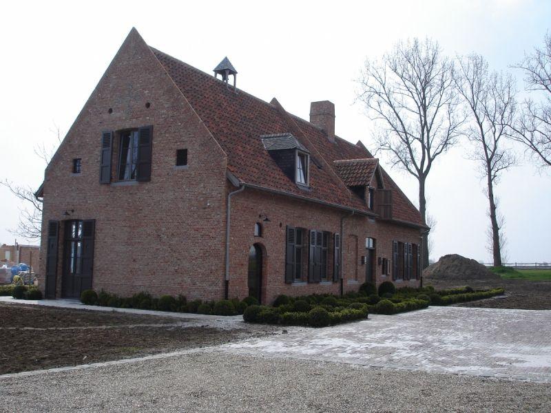 Farm houthulst glenn reynaert farmhouse en house