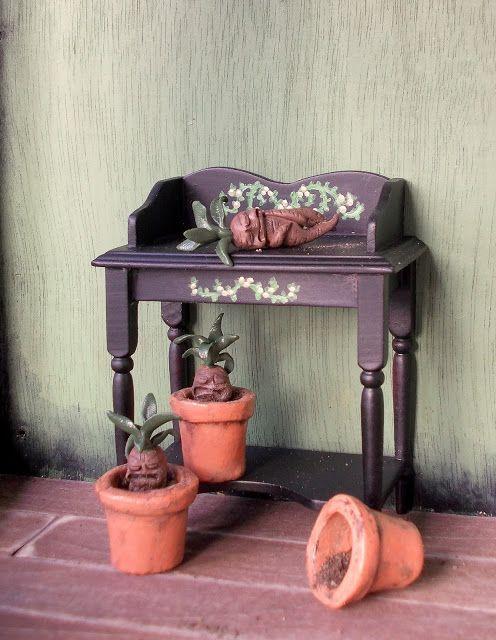 Four-eared bunny: Mandraken hoitopöytä