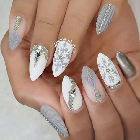 36 Lovely Holiday Nails Designs To Get You In The Spirit Hair And