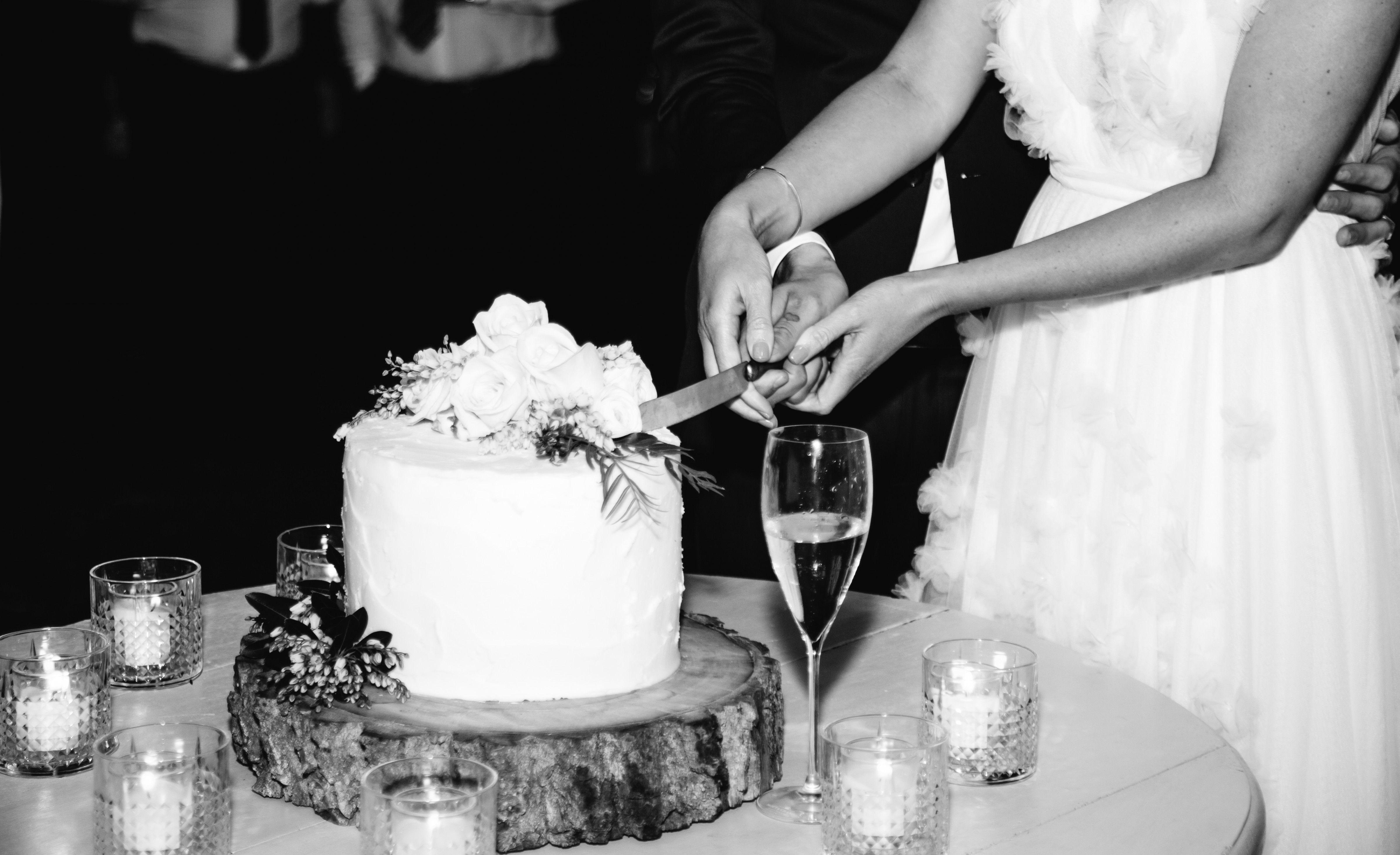 Badia di campoleone wedding cakes