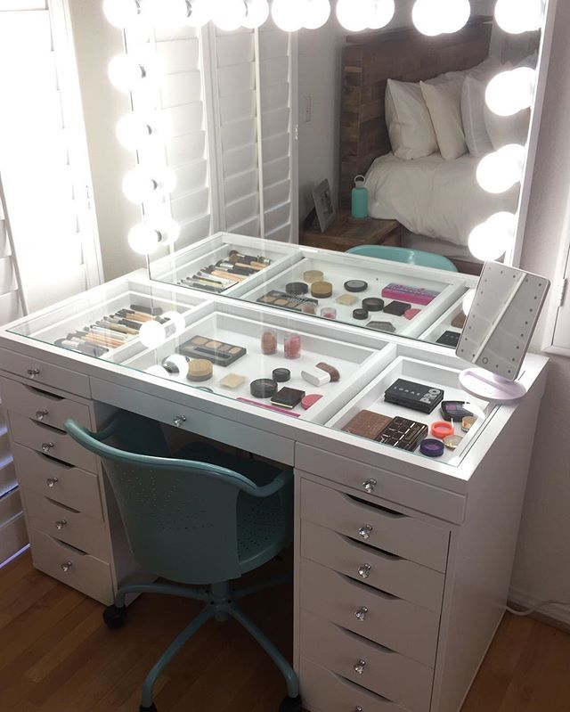 23 diy makeup room ideas organizer storage and decorating - Makeup Eitelkeit Beleuchtung Ikea