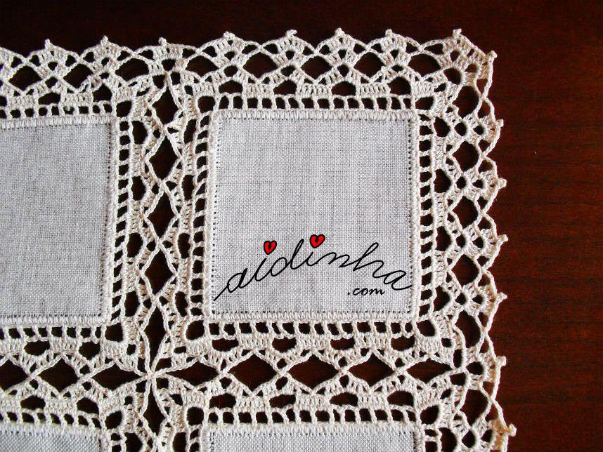 Naperon Caminho De Mesa Com Quadrados De Linho E Crochet Tapete