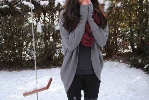 Фото девушек на зимнем улице сзади брюнеток с одеждой, фото ню домашнее пизда