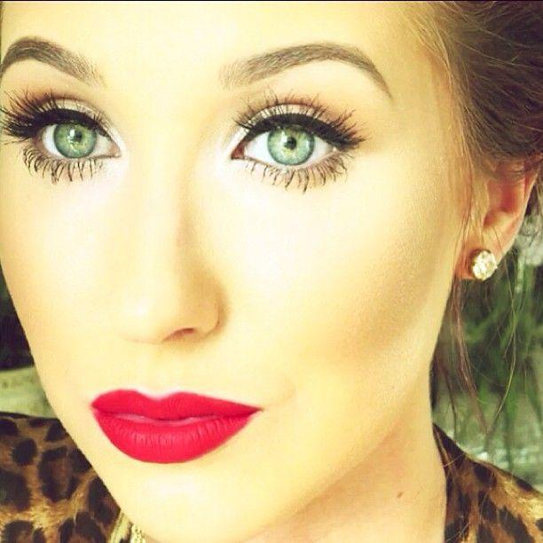 Jaclyn Hill - love her make up tutorials!!