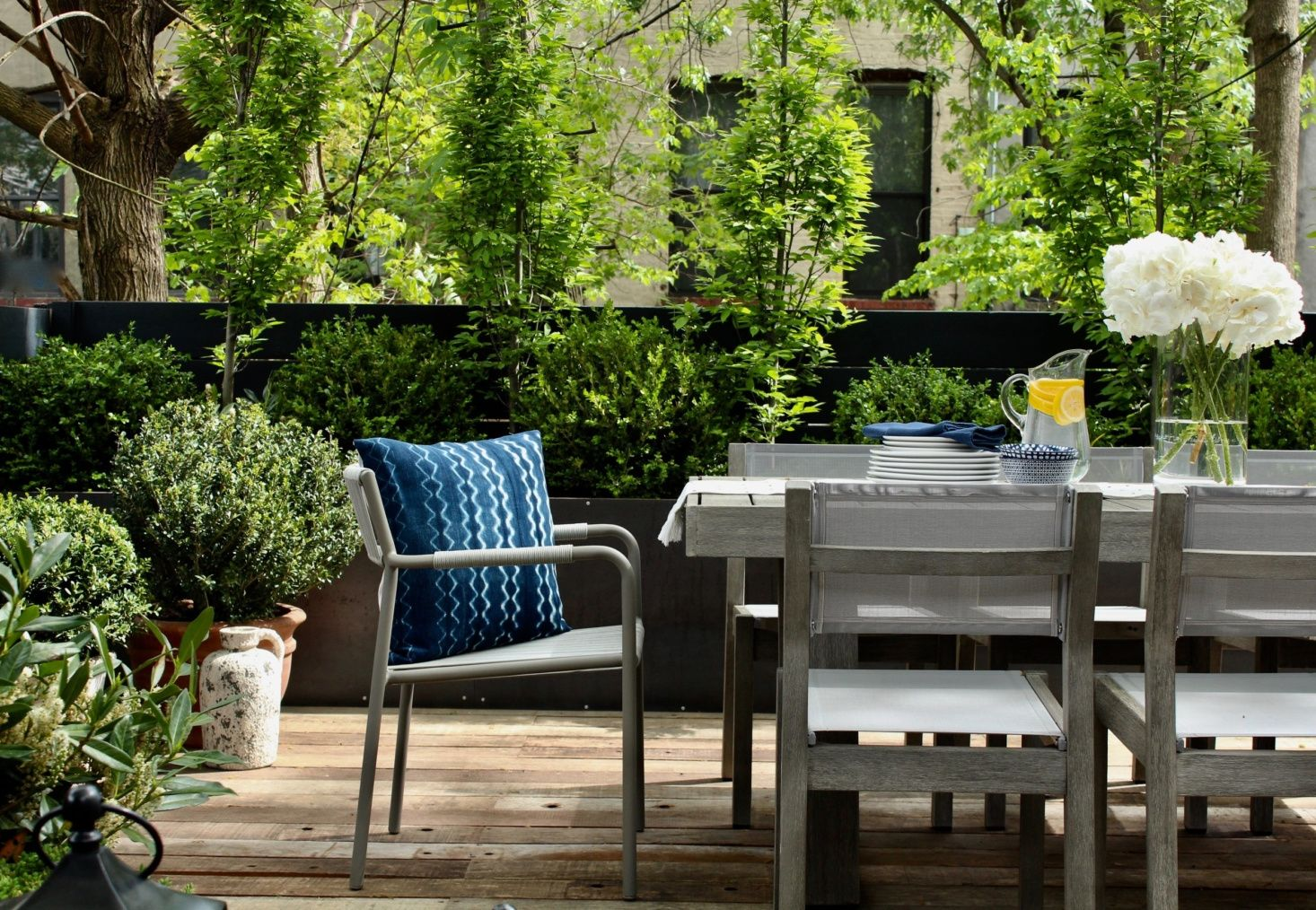 Manscapers: 5 Tips for Designing a City Garden, from an Of ...