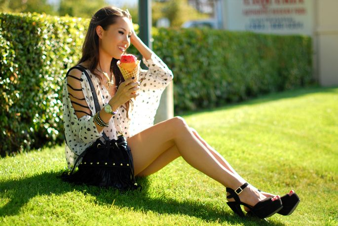 Jess from Hapa Time with the Studded Fringe Bucket Bag
