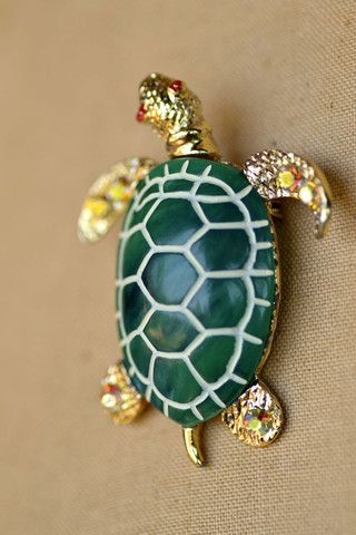 Vintage Gold and Green Turtle Lapel Pin