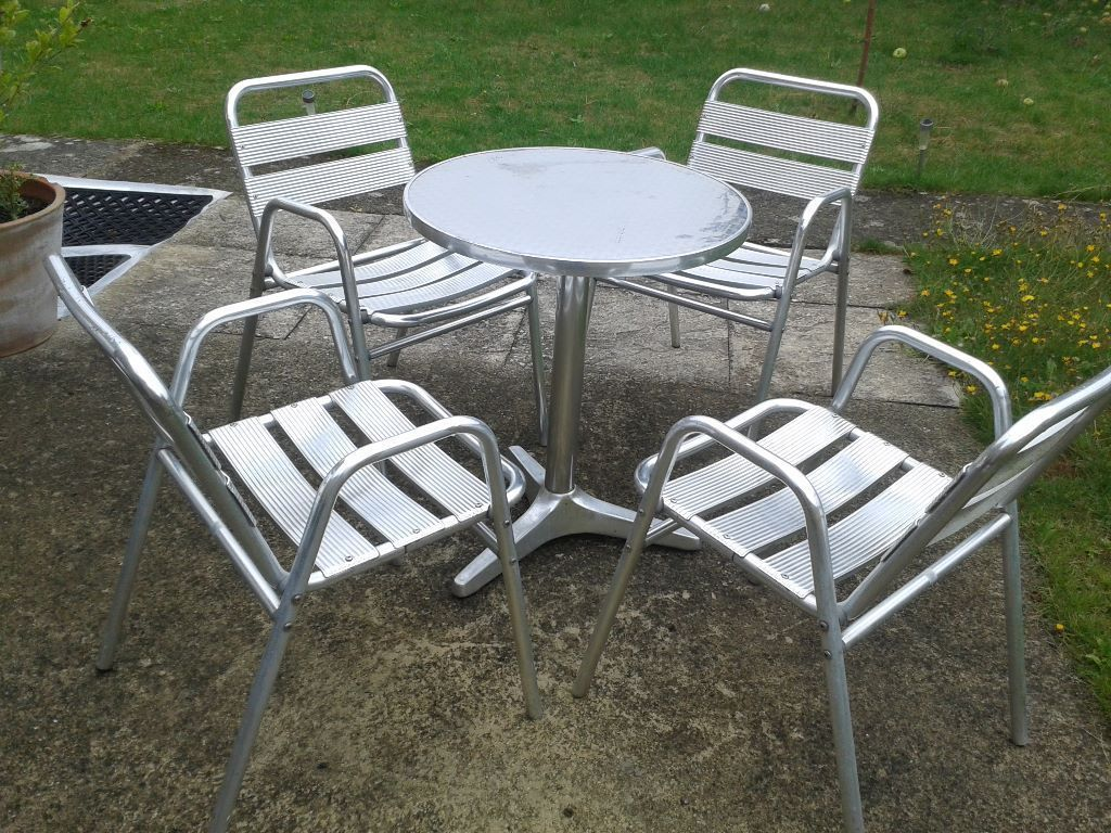 Aluminium Bistro Table And Chairs Aluminium Bistro Table 400 x 300