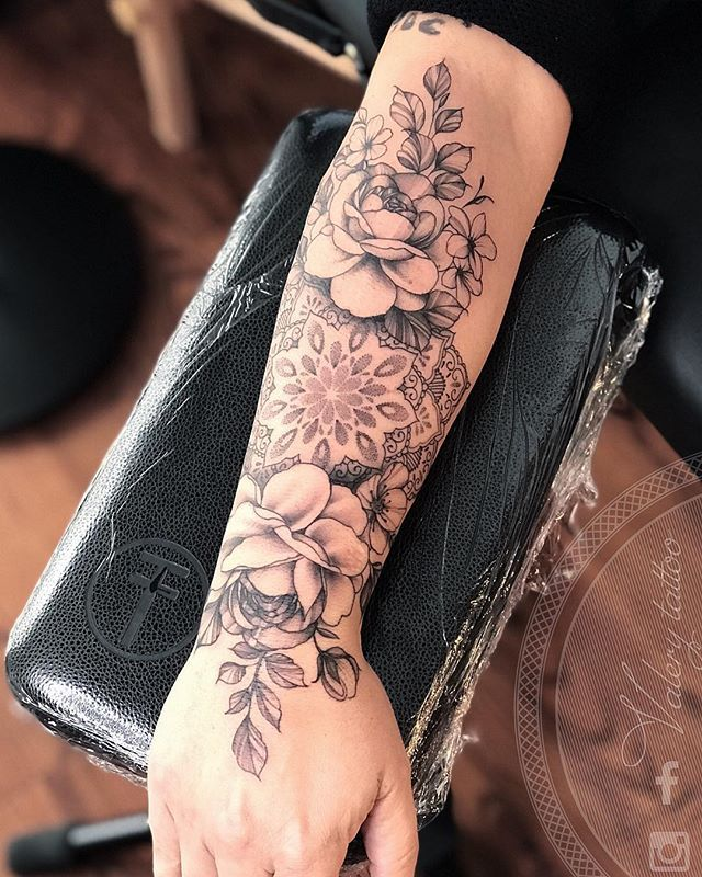"""Floral and delicate tattoos 🌹 on Instagram: """"Mandala 🙏 peony 🖤 These are my favorite tattoos .. 4h session for this one ☺️"""" Each person's life is like a mandala… """""""