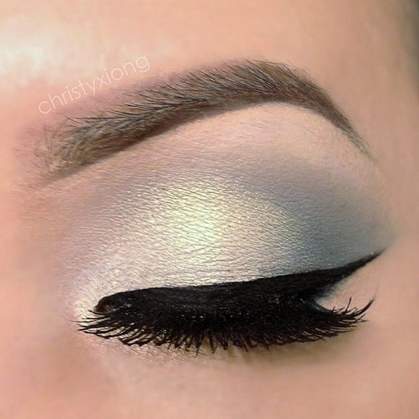 .@christyxiong | Super easy eye makeup look from the other night!!! I used only two eyeshadow MAC Knight Divine & Inglot AMC Shine 08