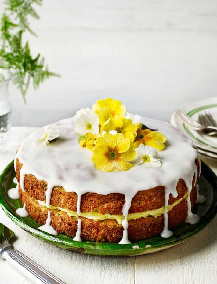 Lemon drizzle cake with crystallised primroses