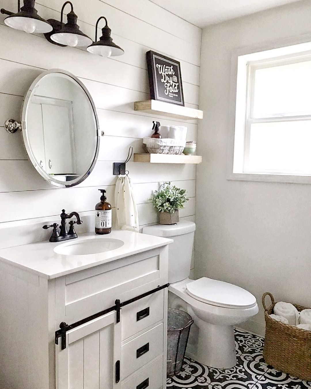 Thethankfulfarmhouse Boy Are We Thankful For Beautiful Bathrooms Like This One Just Small Bathroom Makeover Bathrooms Remodel Small Bathroom Remodel