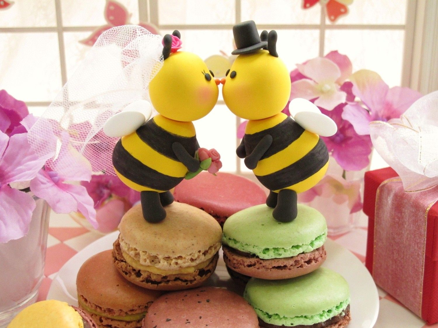 Kissing Bees Cake Topper I Found At Etsy