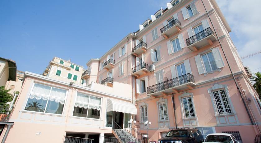 Belsoggiorno Sanremo Hotel Belsoggiorno enjoys a great position on ...