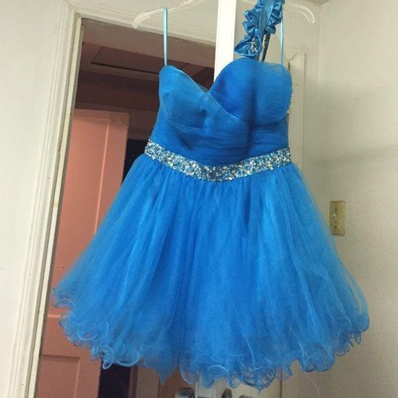 "Selling this ""Short blue prom dress."" in my Poshmark closet! My username is: bxariaa. #shopmycloset #poshmark #fashion #shopping #style #forsale #Eureka #Dresses & Skirts"