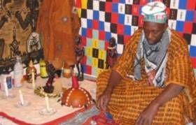 En Afrique subsaharienne, un marabout peut être défini comme « un sorcier ou un envoûteur, à qui l'on prête des pouvoirs de voyance et de guérison, et qui se propose de résoudre tout type de problèmes. (...) Les marabouts subsahariens puisent autant dans l'islam que dans l'animisme, le christianisme, le vaudou ou plus généralement la magie ». Ils i...