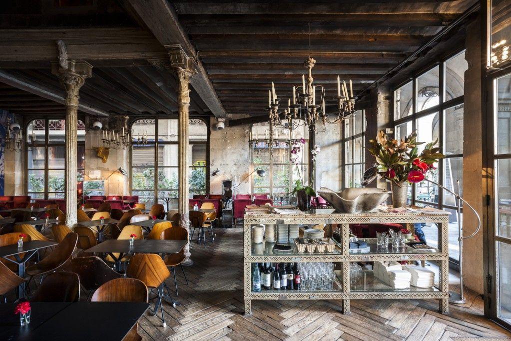 The 10 Best Bars In Barcelona's Gothic Quarter ...
