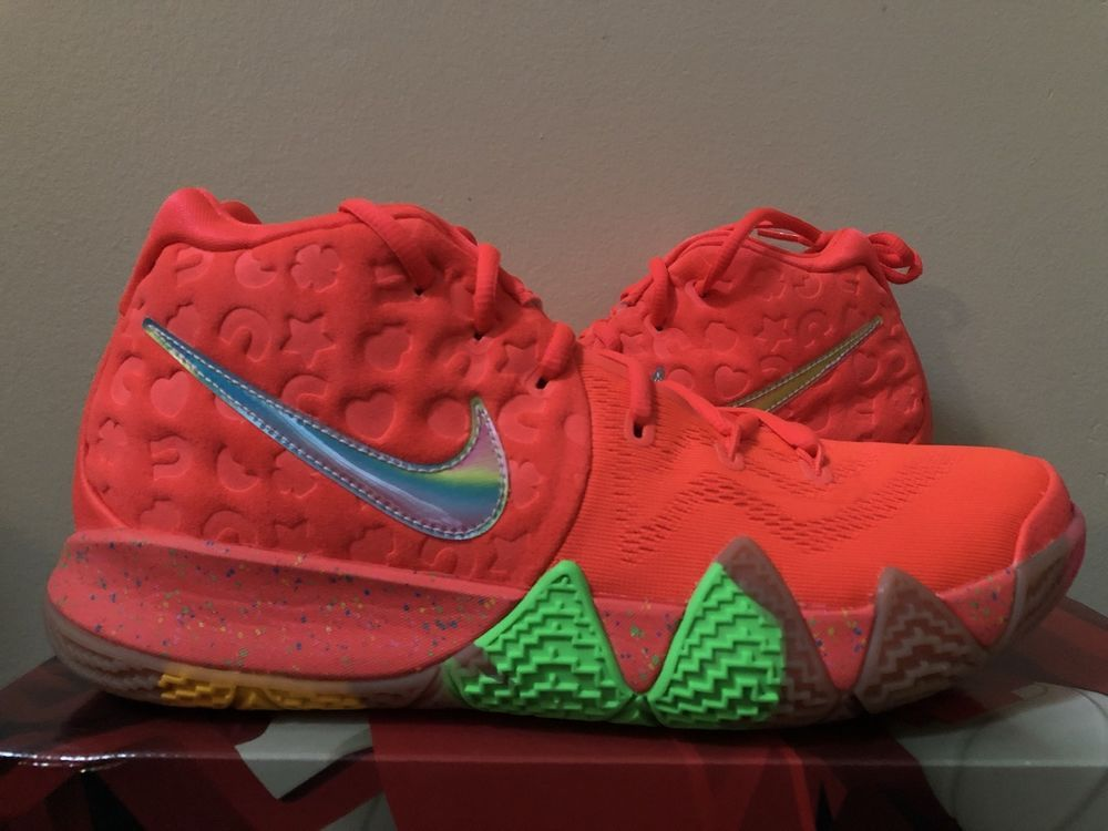 premium selection f6dff 4a091 Nike Kyrie 4