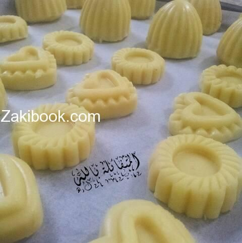 معمول الكيري والزبده زاكي Middle Eastern Desserts Arabic Food Sweets Recipes