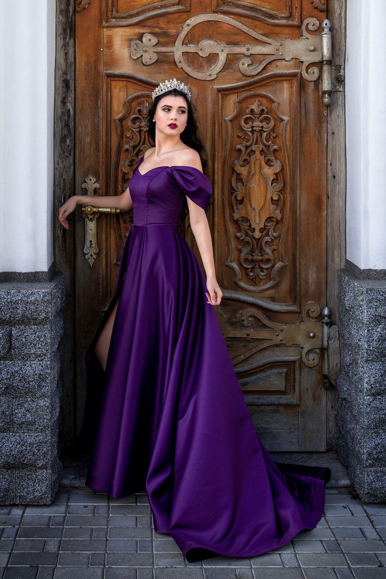 Pin On Evening Dresses [ 2000 x 1334 Pixel ]