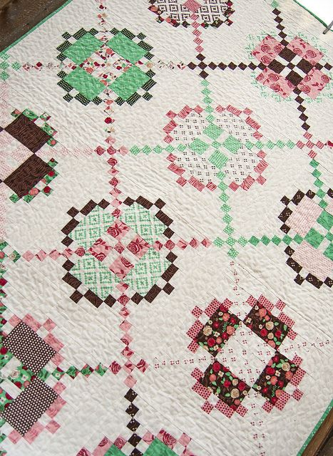 Tone it Down Burgoyne Surrounded quilt, low volume. | Quilt ... : the patchwork quilt summary - Adamdwight.com