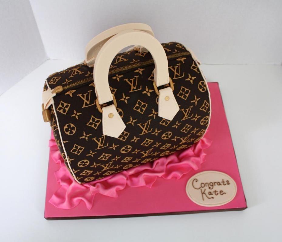 Tyylikästä, upeaa ja kaunista! #laukkukakku #kakku #handbagcake #cake