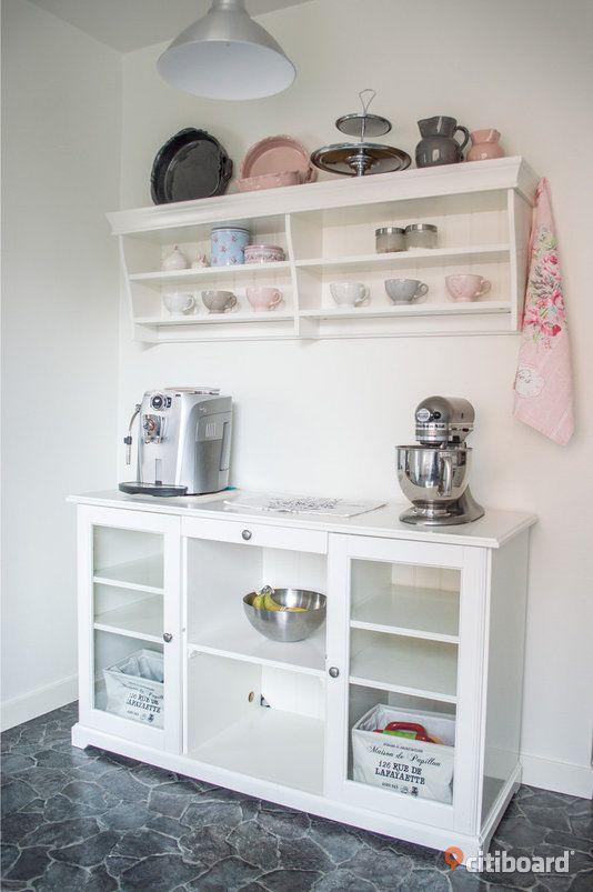 ikea liatorp sideboard tv bank samt vagghylla. Black Bedroom Furniture Sets. Home Design Ideas