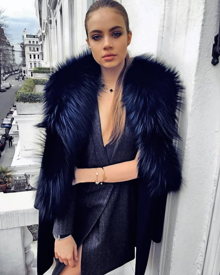 Xenia Tchoumitcheva Ootn Senstylable Instagram