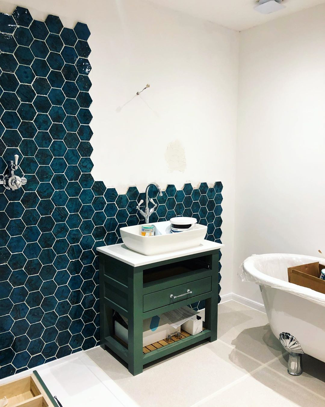 Progress! The en-suite is starting to look pretty amazing day by day. We've got ...-#bathroomdesign