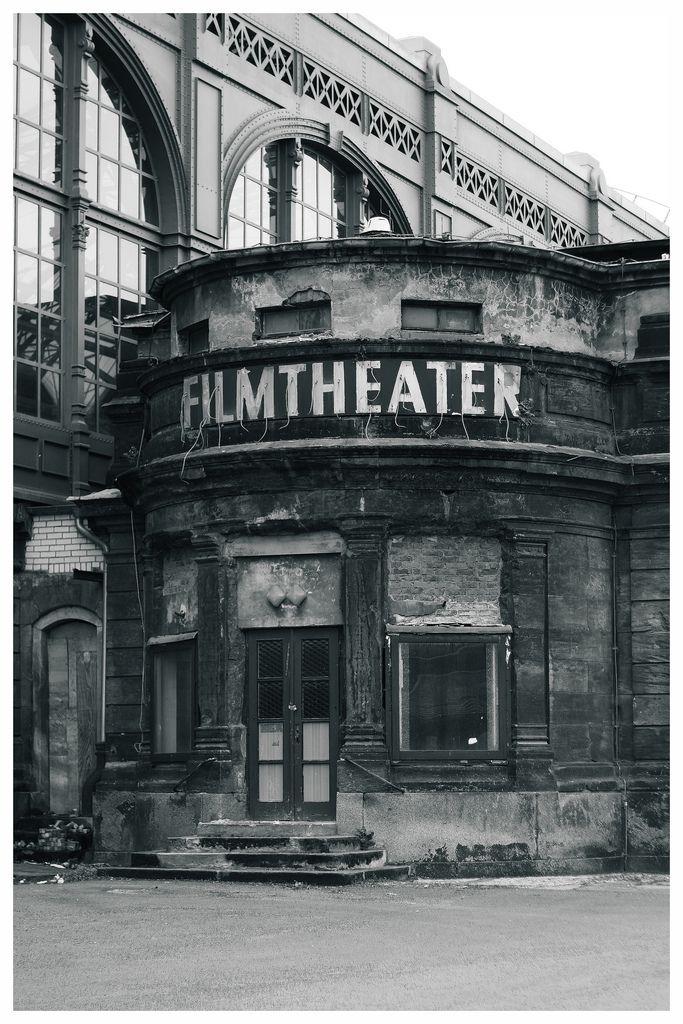 Otto Christbaumkugeln.Filmtheater Am Hauptbahnhof Dresden Thomas Cook S Tour Of Europe