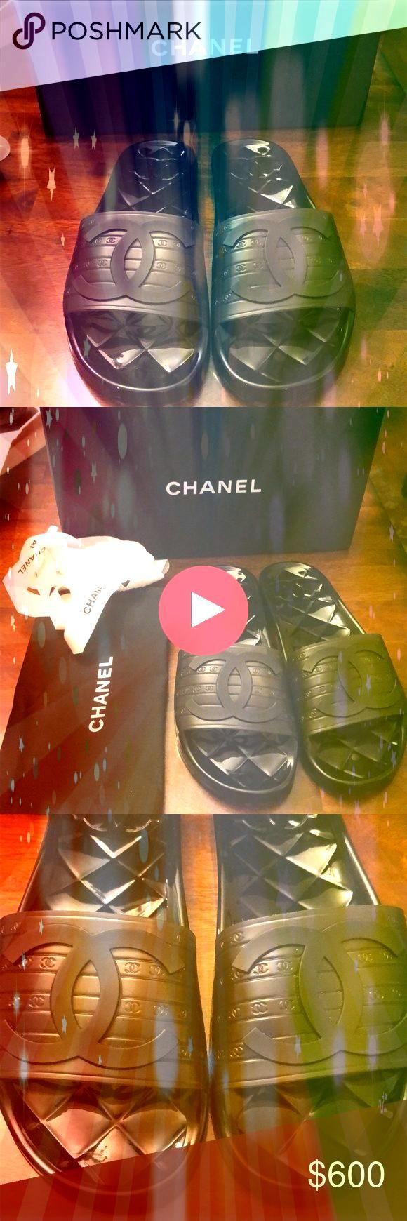Black CC Logo Rubber Pool Slide Sandals 39 Worn once Chanel Black Striped  Chanel Black CC Logo Rubber Pool Slide Sandals 39 Worn once Chanel Black Striped Chanel Black C...