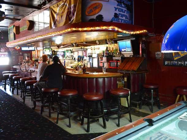 8 Great Dive Bars In Los Angeles Dive Bar Bar Cafe Design