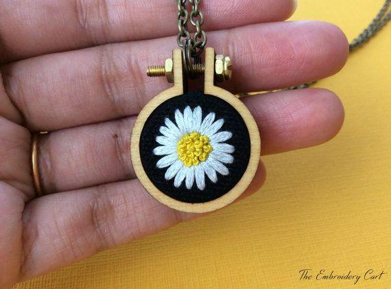 Daisy Necklace- Hand Embroidery- Daisy Pendant- white daisy- hoop ...